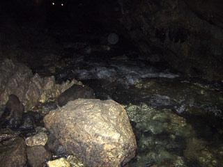 球泉洞、地底の川